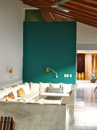 Los Patios Hotel: lounge area