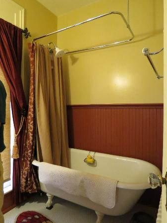 Captain Visger House: Bathroom in Harmonious