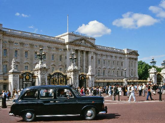 Black Taxi Tours Of London : BLACK TAXI TOURS AT BUCKINGHAM PALACE