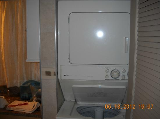 Cayman Reef Resort: washer/dryer right in the unit