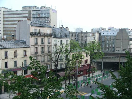 Forest Hill Paris La Villette: View from the front of the Hotel