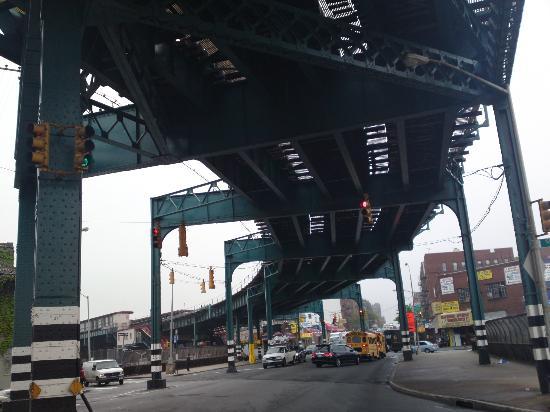 Sheridan Hotel: Estación del metro cerca del hotel
