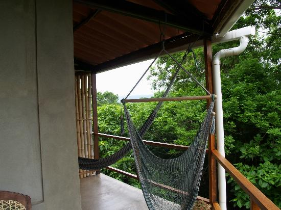 La Via Verde - Organic Farm and B&B: hammocks on the private veranda