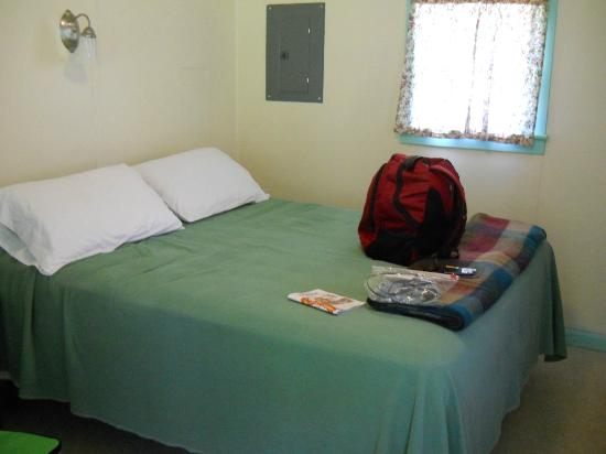 Moody's Motel & Cabins: nice clean room