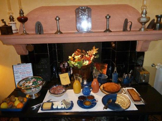 Le Clos du Buis : Some of the breakfast offerings