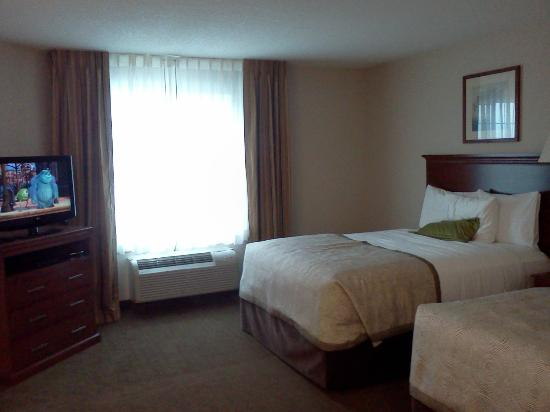 Candlewood Suites Burlington: There were two beds, you just can't see them both