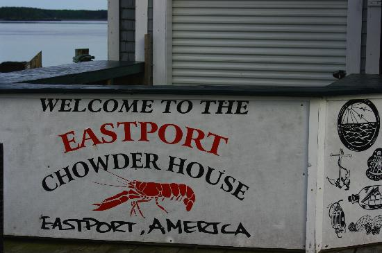 Eastport Chowder House: Lobster Pound counter