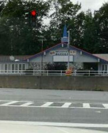 Howard Johnson's Restaurant: the better pic wouldn't upload, realtor sign is in red on railing. Anybody interested?