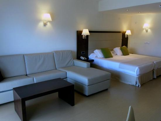 Las Gaviotas Suites Hotel: Room