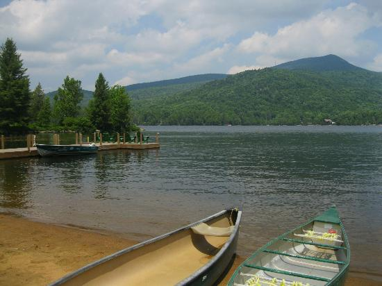 Prospect Point Cottages - Blue Mountain Lake: View from the beach area