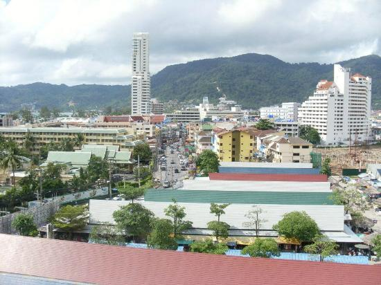 Ashlee Hub Hotel Patong: Roof Top View