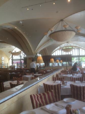 BRIO Tuscan Grille : inside brio inner harbor