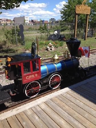 North Bay Heritage Train and Carousel: The train