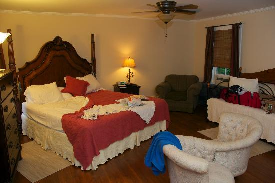 Snow Goose Bed and Breakfast: Passages Room (After we made ourselves comfortable)