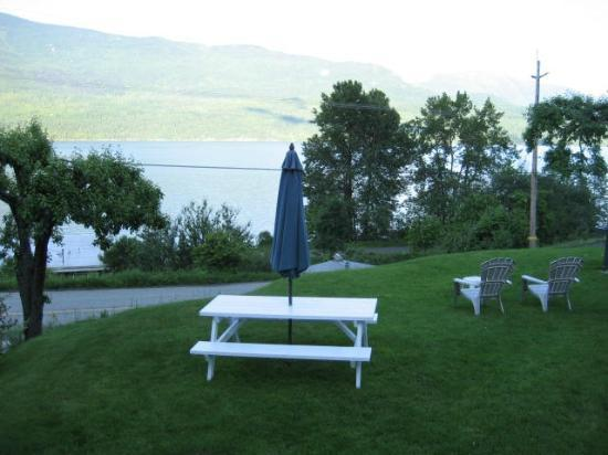 Ainsworth Motel : Kootenay Lake view from room