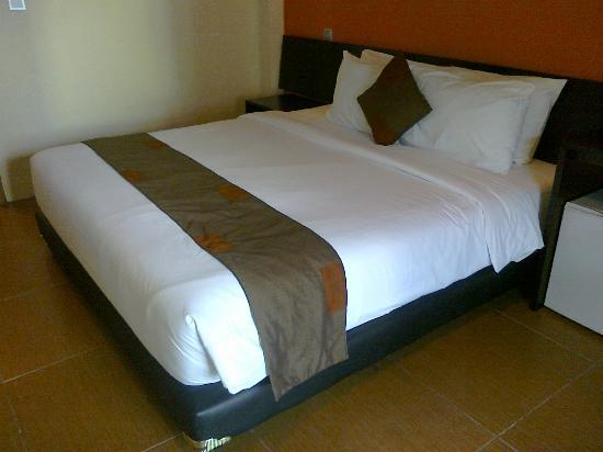 Spazzio Hotel: The bed