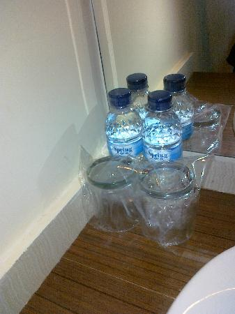 Spazzio Hotel: Complimentary mineral water