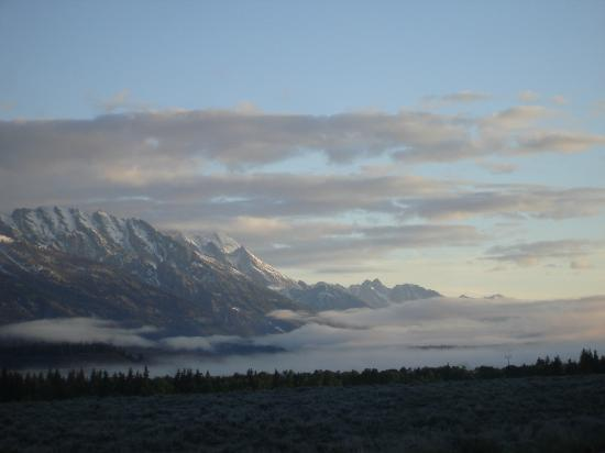 BrushBuck Wildlife Tours: Sunrise in Grand Teton National Park