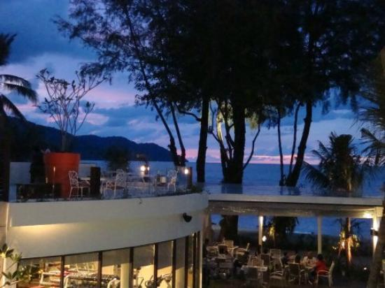 Hard Rock Hotel Penang : Evening sets in...