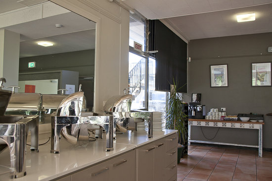 Forrest Hotel And Apartments: Enjoy our delicious breakfast with complimentary espresso coffee