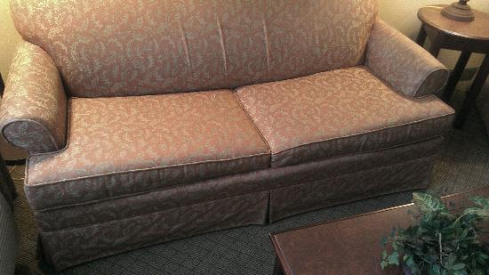 ‪‪Homewood Suites by Hilton Montgomery‬: Couch in living room area‬