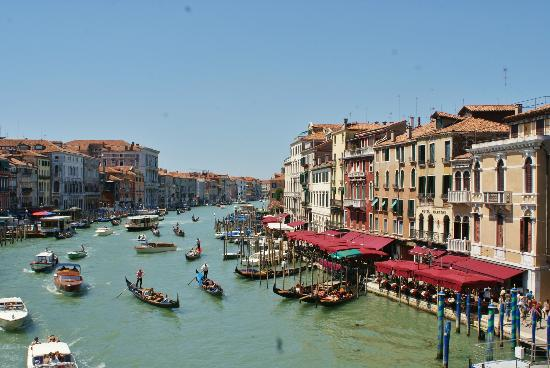 Hotel Carlton on the Grand Canal : Rialto, a lovely walk to the bridge