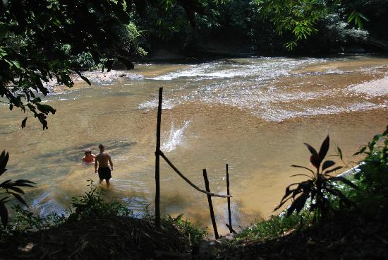 Kurakura Homestay: Cooling down in the river, delicious on a hot day