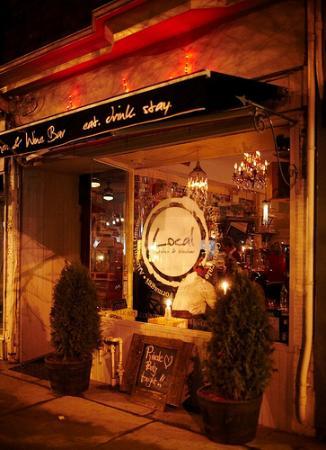 Local Kitchen & Wine Bar Foto