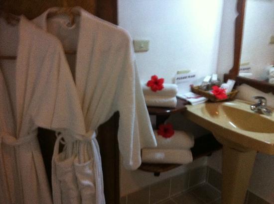El Rio y Mar Resort: the bath again