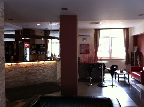 Extol Inn: lobby area...