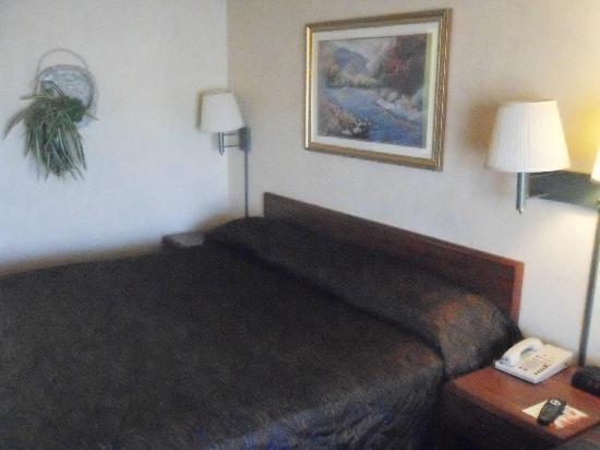 The Buena Park Hotel & Suites : Hello 1980