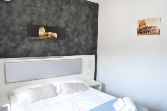 Heart Of Rome: Bedroom