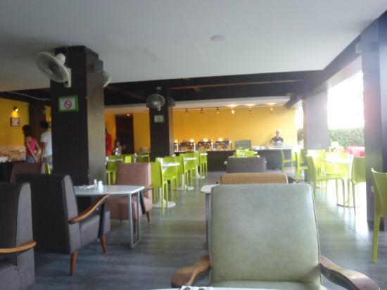 Sugar Marina Resort - ART : Cafe for breakfast, no lunch & dinner serve ...