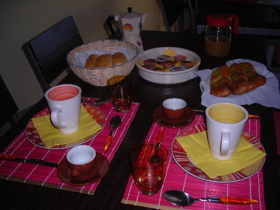 Bed & Breakfast CasAnsaldo: Fresh breakfast every morning included