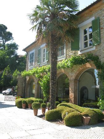 Santo Stefano Belbo, Italy: reception