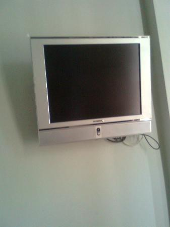 East Beach Hotel: Tiny TV: No freeview