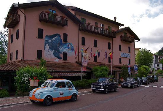 Lizzano in Belvedere, Italia: raduno auto d'epoca