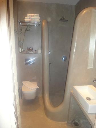 Saint Vlassis Hotel: amazing bathtub