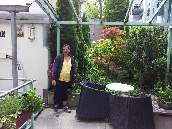 Hotel Ambassador: Near the Dinning area