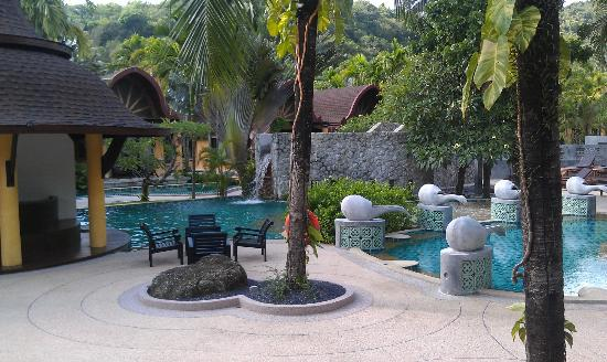 The Village Resort and Spa: Pool bar and pools