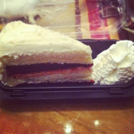 The Cheesecake Factory: red velvet yummy