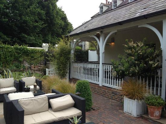 Wingrove House: outside1