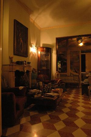 Ca' Fosca due Torri: art nouveau style main room
