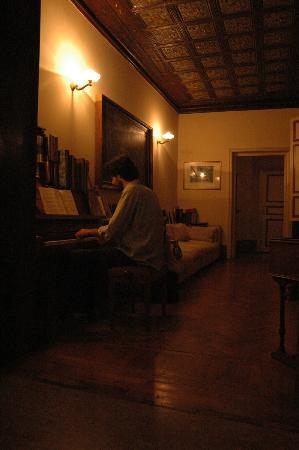 Ca' Fosca due Torri: piano's room/corridor