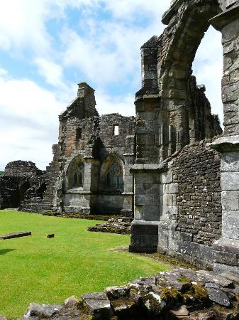 Crossraguel Abbey: The abbey ruins