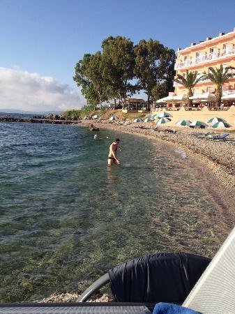 Hotel Corfu Maris Benitses: Beach