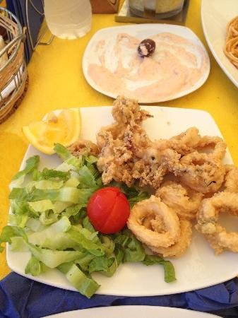 Hotel Corfu Maris Benitses: Calamares