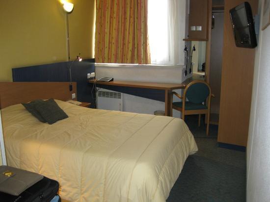 Hotel Inn Design Resto Novo Tours: Our double bedroom