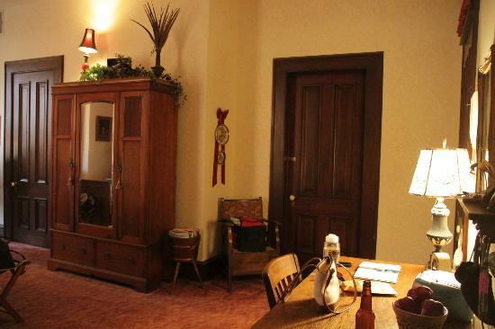Brendan Manor: Nellie Lee Room