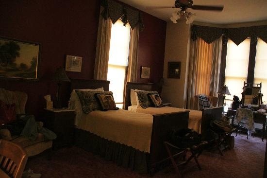 Brendan Manor: Nellie Lee Room